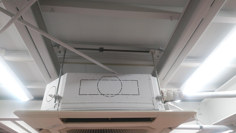 業務用空調設備入れ替え工事現調